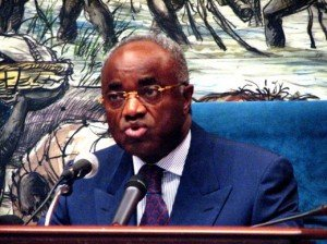 L'ancien premier ministre jean eyegue ndong confirme les propos de bourgi sur les mallette transporté dans politique premier-ministre-gab_520-300x224